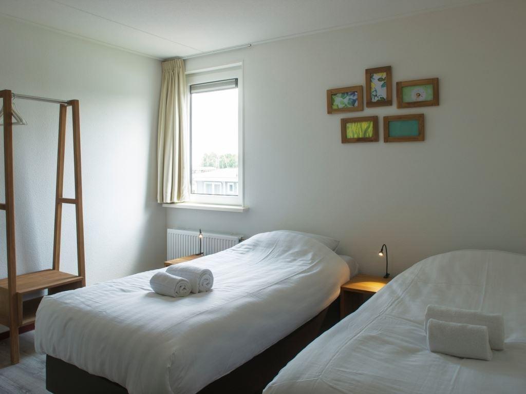 10 personen ferienhaus luxus 10lz in landal de bloemert. Black Bedroom Furniture Sets. Home Design Ideas