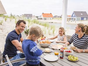 Pizza hoek van holland strand