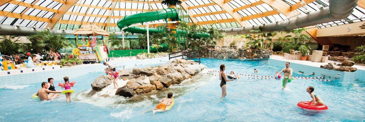Ferienh user und subtropisches badeparadies - Fotos van het zwembad ...