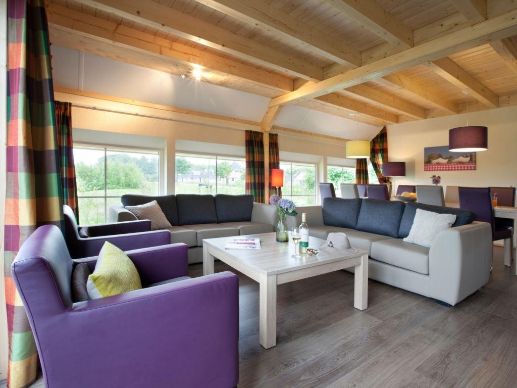 10 personen ferienhaus komfort 10f1 in landal orveltermarke. Black Bedroom Furniture Sets. Home Design Ideas